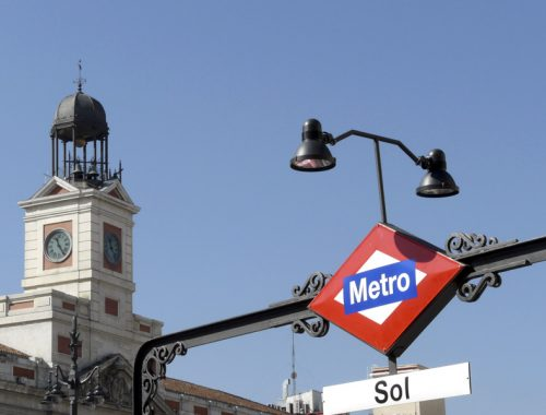 Hotel near sol square in madrid hostal bianco for Puerta del sol 3
